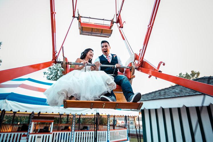 Bride-and-groom-on-ferris-wheel-calgary-wedding-planner-1024x683