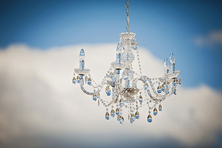 Chandelier-in-the-sky-calgary-wedding-planner.-1024x682