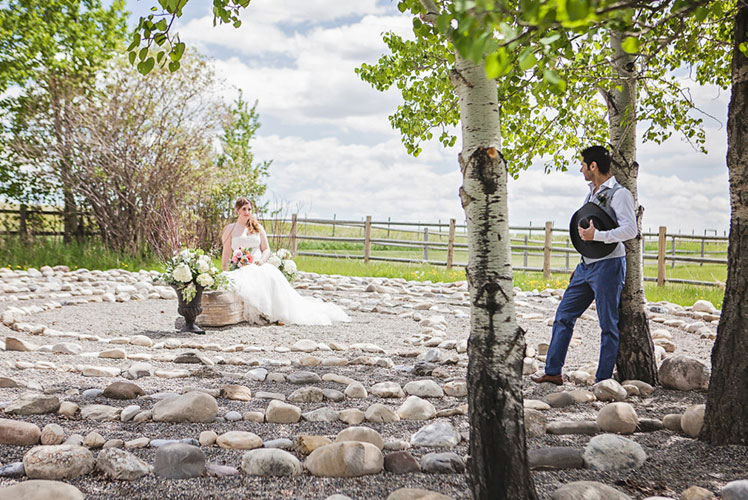 Groom-admiring-bride-in-the-labyrinth-calgary-wedding-planner-1024x682