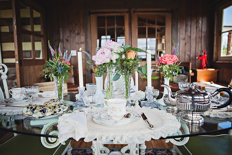 country-tea-tablescape-calgary-wedding-planner-1024x682