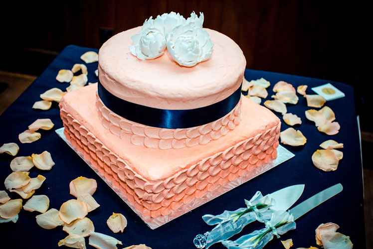 peach-and-navy-wedding-cake-Calgary-wedding-planner1-1024x683