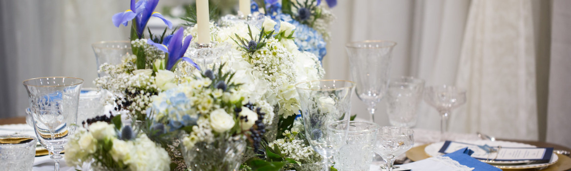 elegant place setting for wedding, Calgary wedding planner